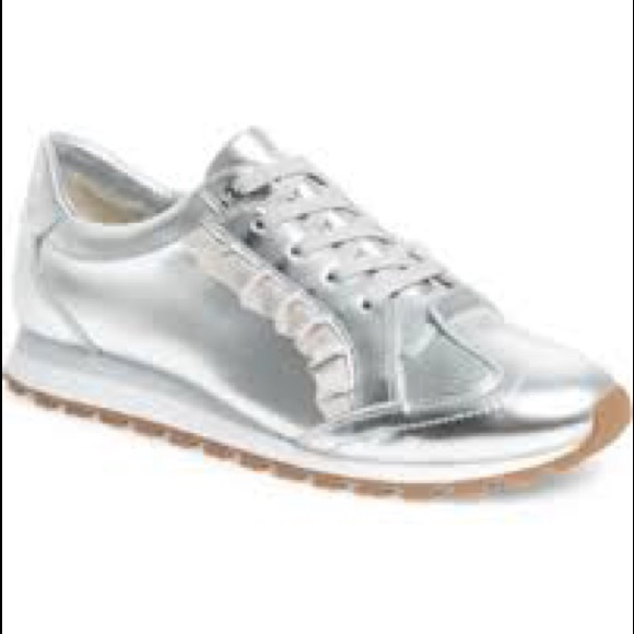 Nwt Tory Sport Ruffle Trainer Sneakers